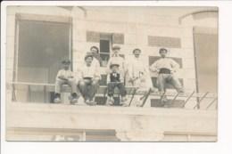 CARTE PHOTO  D'ouvriers Sur Un échafaudage ( Métier Du Bâtiment ) Peintre Peut être à Identifier - Craft
