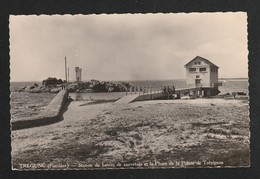 Tregunc  Station Du Bateau De Sauvetage Et Phare Pointe De Trevignon CPSM Petite  ( TTB état )  377 - Trégunc