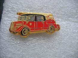 Pin's BALLARD, Camion Auto Pompe LAFFLY De 1940 Des Sapeurs Pompiers - Bomberos