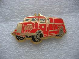 Pin's BALLARD, Camion Dévidoire Automobile, Pompe LAFFLY De 1943 Des Sapeurs Pompiers - Brandweerman