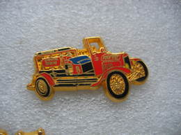 Pin's BALLARD, Ancien Camion FORD Modele T-CHEMICAL UNIT Des Sapeurs Pompiers - Brandweerman