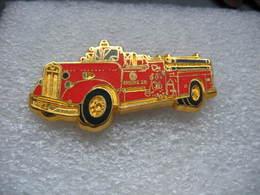 Pin's BALLARD, Ancien Camion Des Sapeurs Pompiers, KENWORTH / VAN PELT 1250 GPM - Bomberos