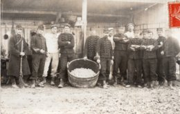 CPA   PHOTO D'UN GROUPE DE MILITAIRE---1909 - Reggimenti