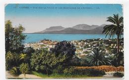 (RECTO / VERSO) CANNES EN 1925 - N° 44 - VUE SUR LA VILLE ET LES MONTAGNES - PLI ANGLE HAUT A DROITE - BEAU TIMBRE - CPA - Cannes