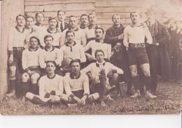 CARTE PHOTO EQUIPE DE RUGBY LE C.O.E  BAT CASTRES DES ENVIRONS DE TOULOUSE TRES AMINÉES VENDU DANS L'ÉTAT - Rugby