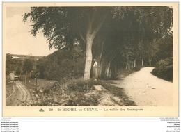 22 SAINT-MICHEL-EN-GREVE. La Vallée De Kerropars. Femme Et Train Tramway - Saint-Michel-en-Grève