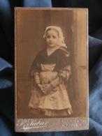 Photo CDV R. Pabar à Nantes -fillette En Costume Régional,coiffe, Circa 1895 L181 - Photos