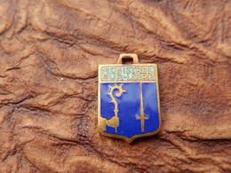 INSIGNE Medaille Pendentif BLASON TOURISME VILLE EMAILLE SOUVENIR  HERALDIQUE ARMOIRIE ECU  Vintage MONISTROL SUR LOIRE - Obj. 'Souvenir De'