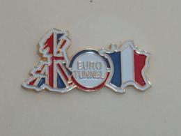 Pin's EURO TUNNEL A - Otros