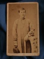 Photo CDV  Charles à Paris  Jeune Homme Portant Une Blouse  Apprenti, Ouvrier  CA 1880 - L157 - Photos