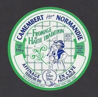 Etiquette  Fromage Camembert  -  Haute Tradition  -  Fabriqué En Normandie Pays D'Auge - Käse