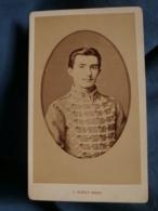 Photo CDV  Girot à Bordeaux  Portrait Militaire 7e Hussard  CA 1875 - L170 - Photographs
