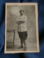 Photo CDV  Sans Mention Photographe  Poilu WW1  Casque Adrian, Bandes Molletières  - L193 - Oorlog, Militair