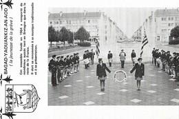 CARTE POSTALE PHOTO ORIGINALE 10CM/15CM  LE BAGAD YAOUANKIZ AN AOD GROUPE MUSICAL DE SAINT NAZAIRE LOIRE ATLANTIQUE (44) - Musik Und Musikanten