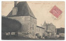 LUSIGNAN ( 86 - Vienne ) - Place Du Bail - Ecole Et Mairie ( Rue Animée , Personnes ) - TTB Etat - Lusignan