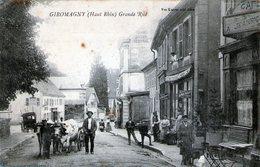 (Ter De Belfort)  CPA Giromagny  Grande Rue  Angles Arrondis  (Bon Etat) - Giromagny
