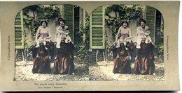 Photos Stéréoscopiques  -scène De Genre -  Soubrettes  Avec  Des  Moines - D 110 - Stereoscopio