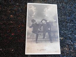 Gondolante, Garçon Avec Cigarette, éditions R.P.I. Non Circulée    (P9) - Cartes Postales