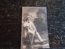 Rêverie, Homme En Costume Blanc Pensant à Son Couple    (H8) - Koppels