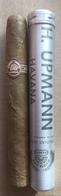 Cigare De Marque UPMANN Avec Son Tube En Aluminium - Zigarrenetuis