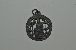 Médaille Ancienne Etain Notre Dame - Juwelen & Horloges