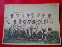 PHOTO SPORT FOOTBALL EQUIPE SALESIENNE SALEES DU SALAT CHAMPION DES PYRENNEES 1928 PHOTOGRAPHE SALUDAS - Sports