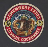 Etiquette  Fromage  Camembert -  La Vache Couronnée -   GB  - Fabriqué En Lorraine - Fromage