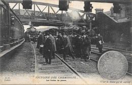 """CHEMINS DE FER - GREVES """" VICTOIRE DES CHEMINOTS """"  Les Trains En Panne - """" C'est La Thune Qu'ils Auront ! .- F.F.Paris - Sonstige"""