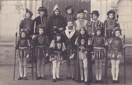 CARTE PHOTO 49 - CHOLET - Le THEATRE - Costume Royal - Cholet