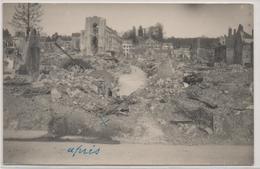 14  Lisieux    Photo  1944       Apres Les Bombardements  Rue Aux Feves    Format CPA  Non Carte - Lisieux