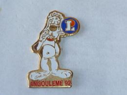 Pin's GAI LURON, FESTIVAL DE LA BD D ANGOULEME, Signe GOTLIB - Animales