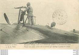 WW TRANSPORTS. Aviation Aviateur Aéroplane Aérodrome. Français Armé D'une Mitrailleuse à La Poursuite D'un Taube 1914 - Piloten