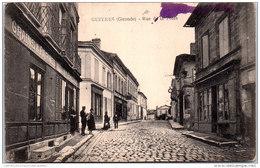 33 GUITRES - Rue De La Poste - France