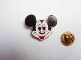 Beau Pin's En EGF , Disney , Mickey , Petit Modéle - Disney
