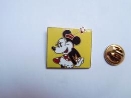 Beau Pin's En EGF , Disney , Minnie - Disney
