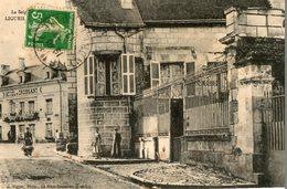 37. CPA. LIGUEIL.  La Seigneurie, Mairie Actuelle, Et L' Hotel Du Croissant. 1912. - France