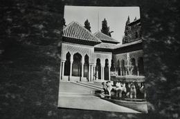 8352     GRANADA, ALHAMBRA, PATIO DE LOS LEONES - Granada