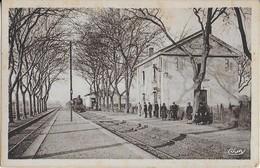 BARBAIRA  (AUDE  ) - La GARE - Arrivée Du Train Et Voyageurs Sur Les Quais - Sonstige Gemeinden