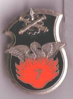 B59 Broche Insigne Armée Terre 7e Régiment Du Matériel Signé Drago G3285 Achat Immediat - Armée De Terre