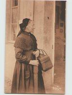 85 ... Folklore . Coiffes Et Costumes . Le Départ Pour Le Bourg . Marais De Monts (Bergevin 21084) - Frankreich