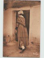 85 ... Folklore . Coiffes Et Costumes . A Saint Jean De Monts, Une Jeune Maraichine (Bergevin 9549) - Saint Jean De Monts