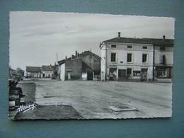 SAINT CLEMENT - PLACE DU GENERAL DE GAULLE - Frankrijk