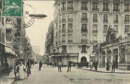 * VINCENNES , Rue De Montreuil , La Gare , CPA ANIMEE - Vincennes