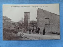MALLEFOUGASSE Le Clocher Et La Place Des Tilleuls Animée - Autres Communes
