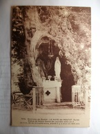 Carte Postale Environs De Routot (27) La Haye De Routot - Statue De Notre Dame De Lourdes Dans Un If - Routot