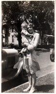 Photo Originale USA - Bob Johnann Mysèle En 1930 & Sa Maman Au Pied Des Tacots Ford - Automobiles
