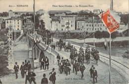 26 DROME Le Tramway, Les Officiels Et Les Militaires Sur Le Nouveau Pont De ROMANS Jour D'inauguration - Romans Sur Isere