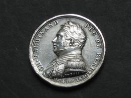 Médaille Posthume En Argent  - CH.FERDINAND – Duc De Berry – M. 14 Fev. 1882 **** EN ACHAT IMMEDIAT **** - Royal / Of Nobility