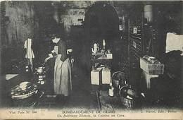 Dpts Div.-ref-AN991- Marne - Reims - Bombardement - Interieur Rémois - Cuisine En Cave - Guerre 1914-18 - - Reims