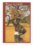 Femme Aux Seins Nus , Allaitant Son Bébé. (D.4087) - Nus Ethniques